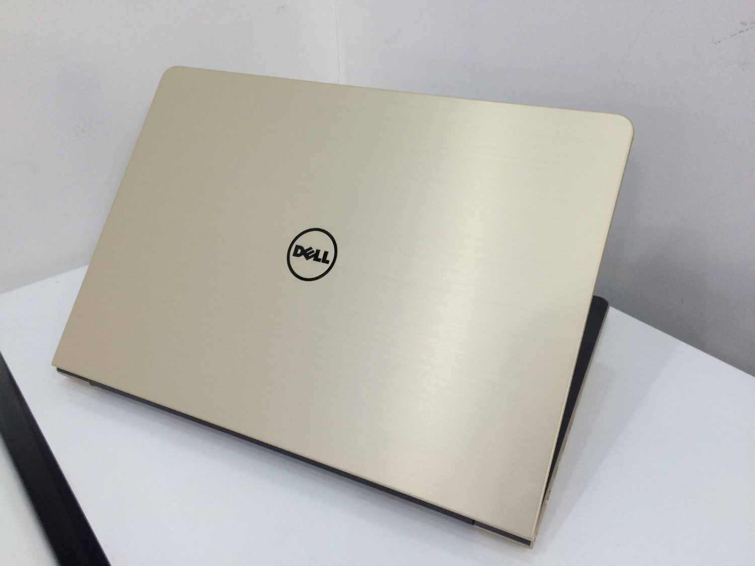 laptop dell vostro gia re